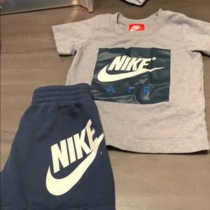 Nike Air Max size 18 mo outfit